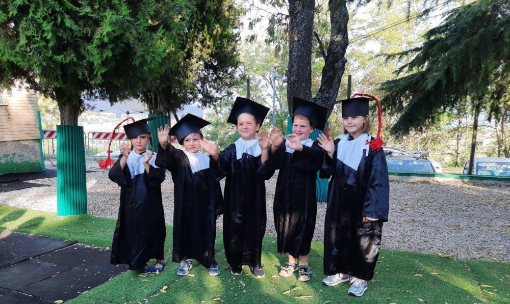 Festeggiamenti alla scuola materna della fondazione Luigi Canale.